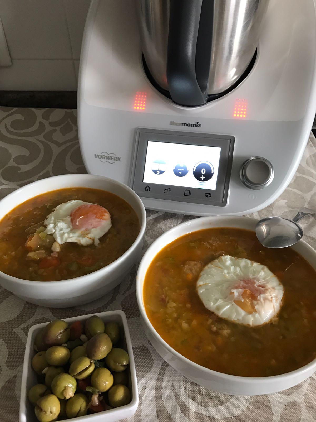 Sopa de verduras y jamón con huevo poché con Thermomix®