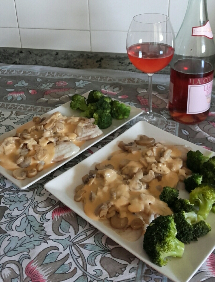 Filetes de pescado con champiñones en salsa de Lambrusco con Thermomix®