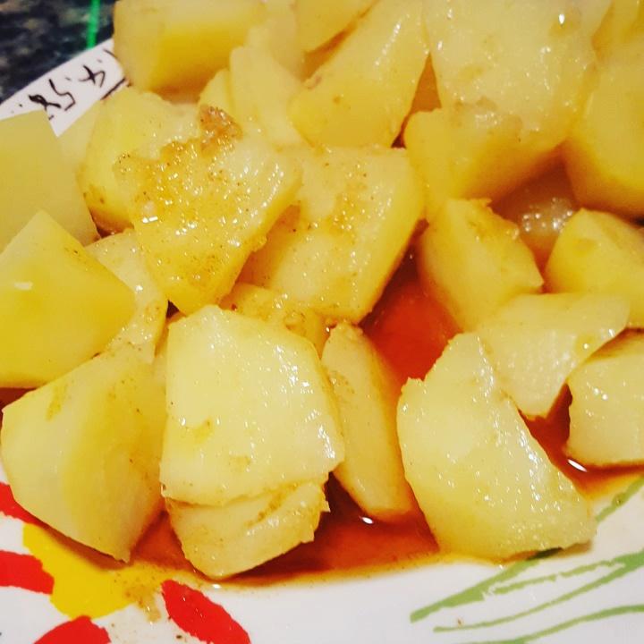 Patatas al ajillo con Thermomix® .