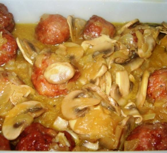 albóndigas en salsa castellana