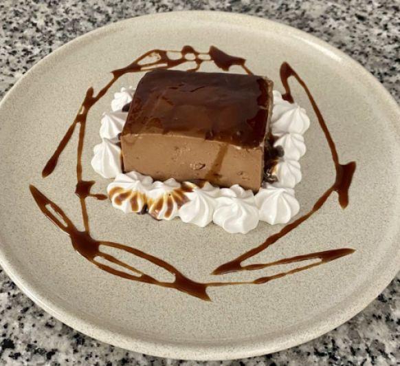 Flan de chocolate con almendras