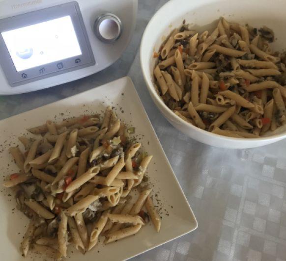 Pasta integral con verduras salteadas con Thermomix®