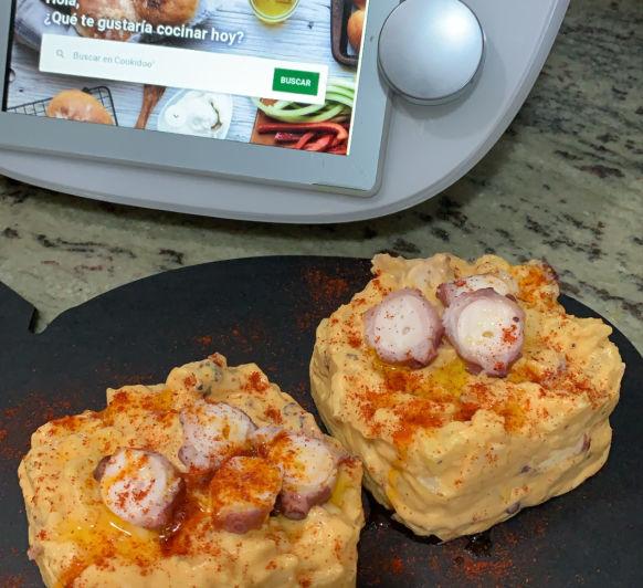Ensaladilla de pulpo con mayonesa ligera de pimentón