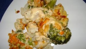 Crumble de brócoli y coliflor con avena y queso